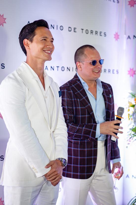 Kim Lý bảnh bao tại sự kiện khai trương cửa hàng của NTKAntonio De Torres.