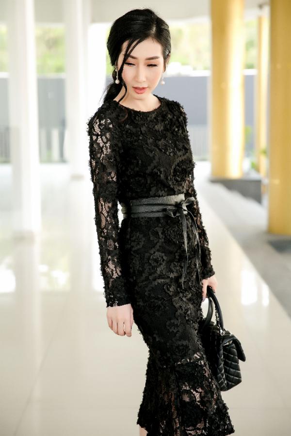 Hoa hậu Đặng Thanh Mai lần đầu bế con gái cưng dự sự kiện - 3