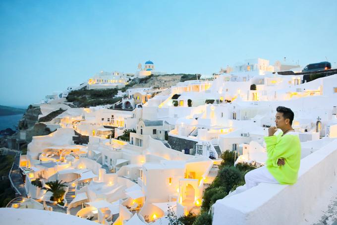 Mr. Đàm khám phá từng ngõ ngách Santorini để chụp ảnh bìa album mới - 7