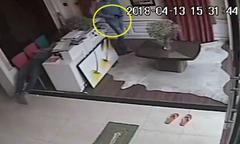 Chủ nhà ngủ quên bị trộm lấy mất ví không hay biết