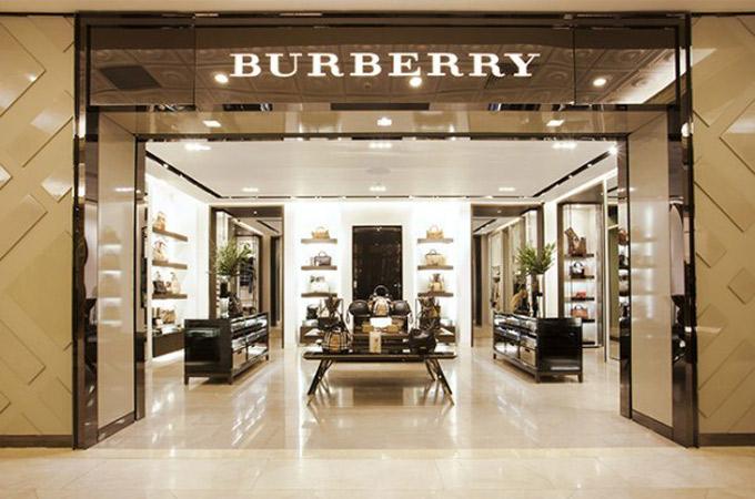 Cửa hàng Burberry tại Hà Nội - Ảnh: Styleguide