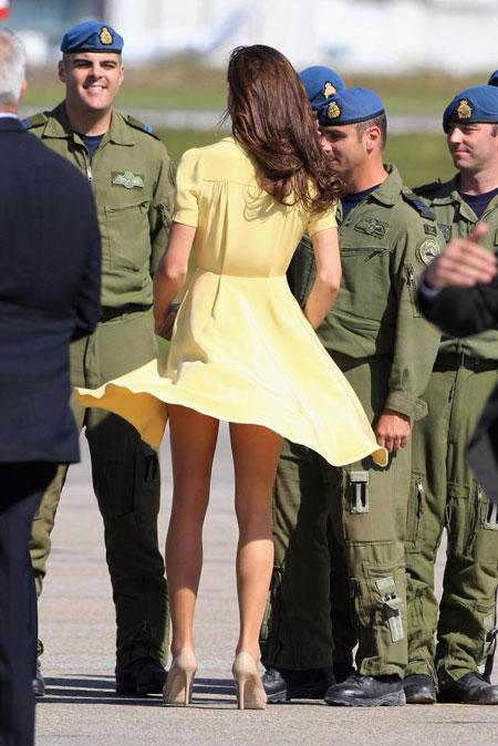 Mặc quần trong váy giúp phụ nữ hoàng tộc tránh bị hớ hênh.