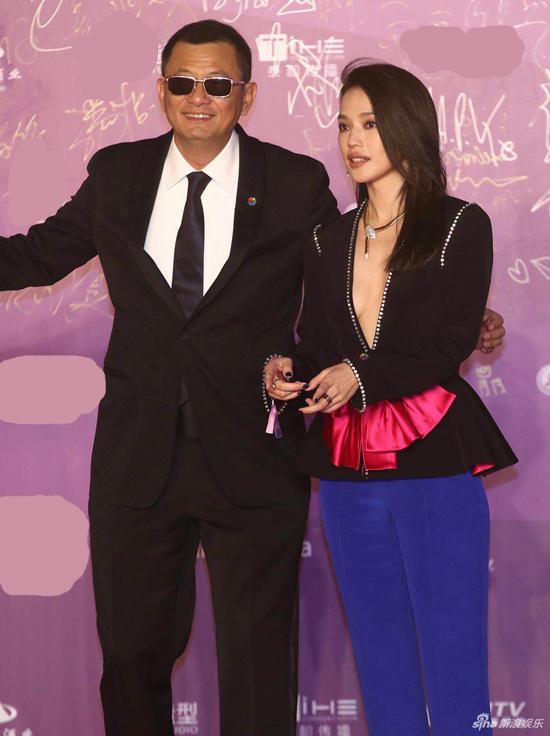 Nữ diễn viên sánh vai đạo diễn Vương Gia Vệ - thành viên Ban giám khảo năm nay.