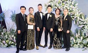 Bố mẹ chúc phúc cho John Huy Trần và Nhiệm Huỳnh trong ngày cưới