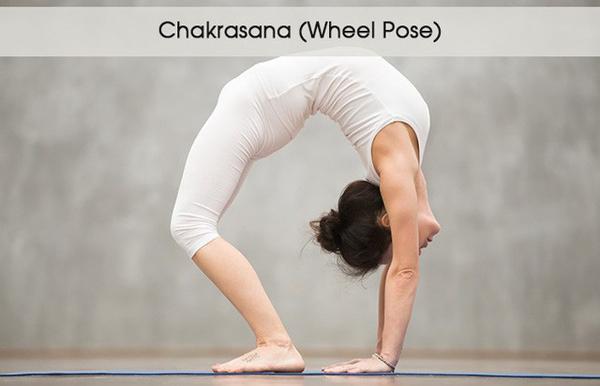 5 tư thế yoga giúp đánh tan bọng mắt - 2