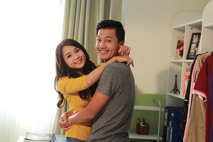 Sam và Quang Tuấn đóng vai vợi chồng trong phim Gia đình là số một.