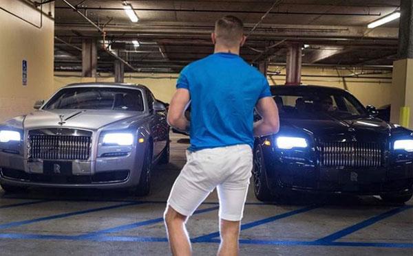Siêu xe và xe sang là thú chơi của McGregor. Trong garage của anh, không thiếu các thương hiệu nổi tiếng nhất thế giới.