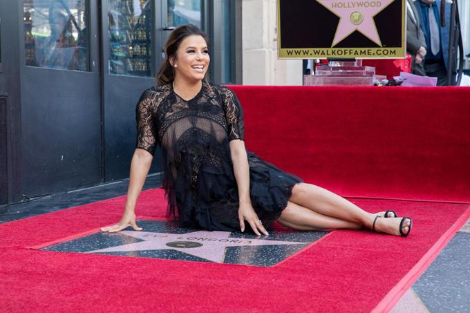 Nữ diễn viên 43 tuổi đón niềm vui bất ngờ khi đang mang thai con đầu lòng.