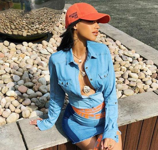 Thời trang bầu sành điệu của vợ hụt Balotelli - 5