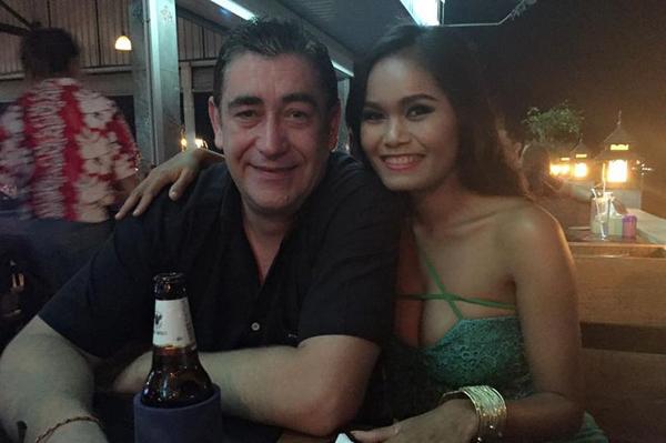 Cặp vợ chồng đã kết hôn, có hai con và hiện sống ở Pattaya, Thái Lan. Ảnh: Viral Press
