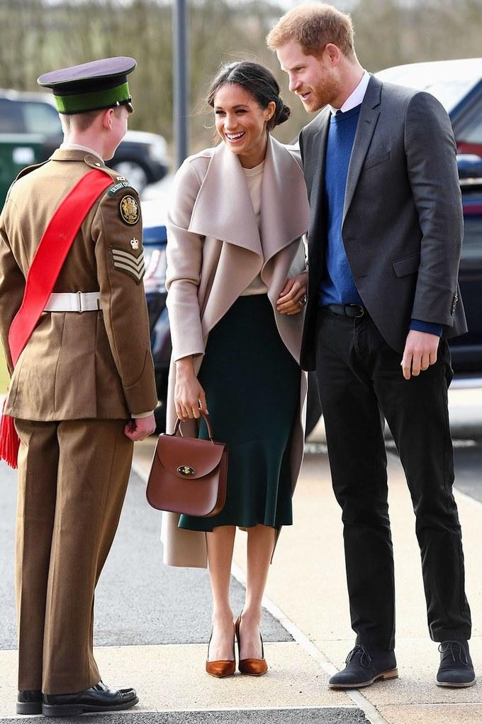 Meghan Markle nhiều lần bỏ qua quy tắc thời trang của Hoàng gia Anh