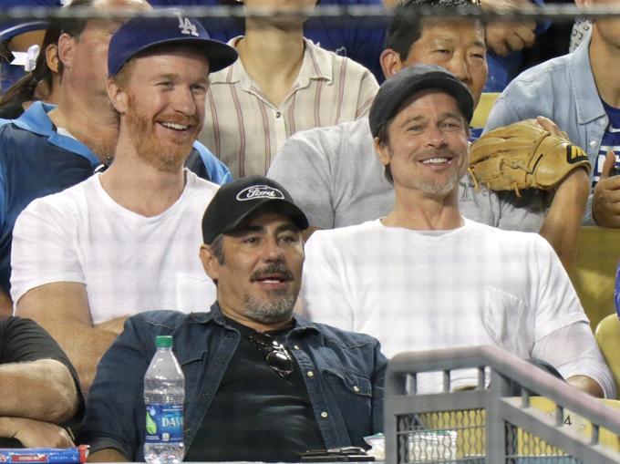 Brad Pitt cũng như Neri Oxman đều không lên tiếng phản hồi trước tin đồn tình cảm. Ngôi sao Fury được trông thấy vui vẻ đi xem bóng chày ở Los Angeles vào tuần trước.