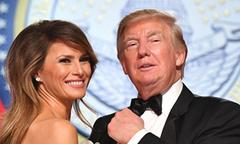 Ông Trump khen vợ hết lời giữa bê bối tình ái với sao khiêu dâm
