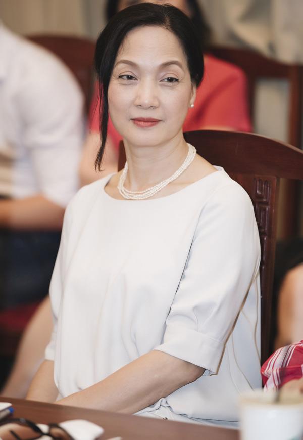 Nghệ sĩ Lê Khanh cũng từ Hà Nội vào Sài Gòn dự sự kiện cùng các đồng nghiệp ở Nhà hát Tuổi trẻ.