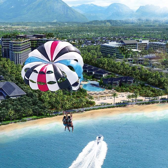 Novotel Phu Quoc Resort cũng cung cấp dịch vụ spa giúp du khách thư giãn và trẻ hóa với các liệu pháp cổ truyền hoặc hiện đại. Đặc biệt, nơi đây còn cung cấp các hành trình tham quan khám phá biển đảo, đại dương, chiêm ngưỡng vẻ đẹp của Đảo Ngọc - Phú Quốc, cùng các trò chơi và tiệc trên biển sôi động.