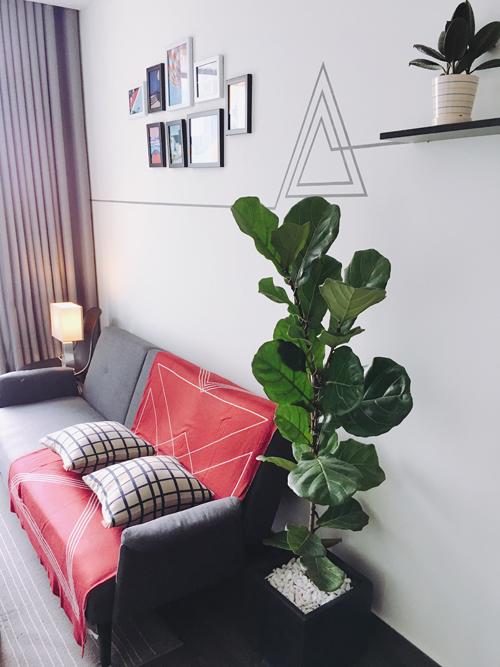 Diện tích sử dụng của căn hộ là 45 m2 gồm một phòng ngủ, phòng khách có bay windows, bếp, một toilet, mộtlô gia để trồng cây kết hợp phơi đồ.