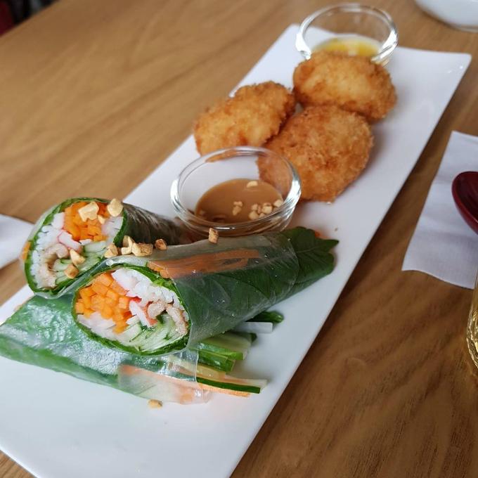 Quán phở Việt nơi chị đẹp và mỹ nam đi ăn trưa - 10