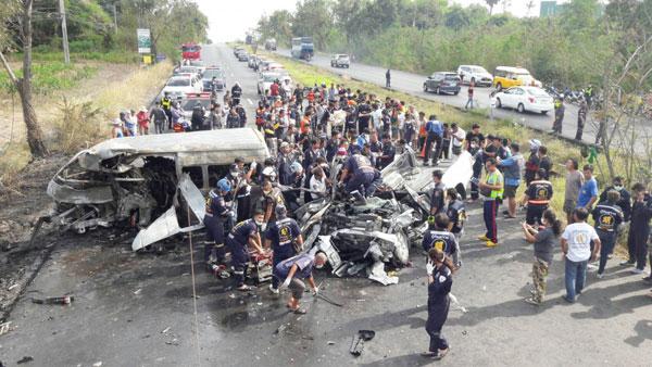 Tai nạn giao thông gia tăng vào kỳ nghỉ Tết vừa qua ở Thái. Ảnh: Thai PBS.