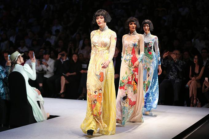 Cùng với Thanh Hằng và Hồ Ngọc Hà, chương trình còn quy tụ nhiều hoa hậu, á hậu và dàn chân dài đinh đám của làng thời trang Việt.