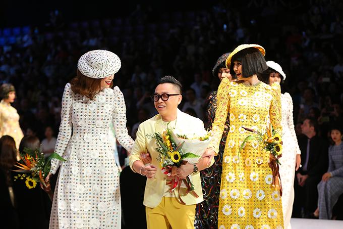 Tuần lễ thời trang quốc tế Việt Nam 2018 đã được khai mạc vào tối 19/4 tại TP HCM với phần giới thiệu bộ sưu tập Coco yêu dấu của nhà thiết kế Nguyễn Công Trí.