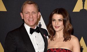 Vợ tài tử 'Điệp viên 007' Daniel Craig mang bầu ở tuổi 48