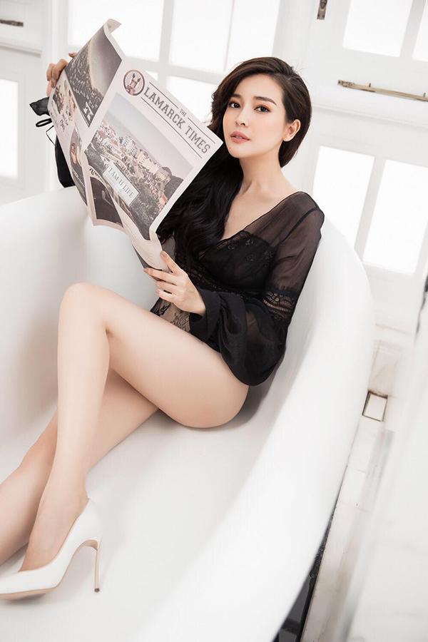 Người đẹp Tây Đô 9X có gương mặt xinh đẹp, ngoại hình gợi cảm.