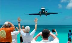 Bãi biển thần chết - nơi máy bay như đâm thẳng vào du khách