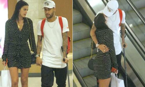 Neymar chống nạng đi mua sắm với bạn gái, từ chối trở lại PSG