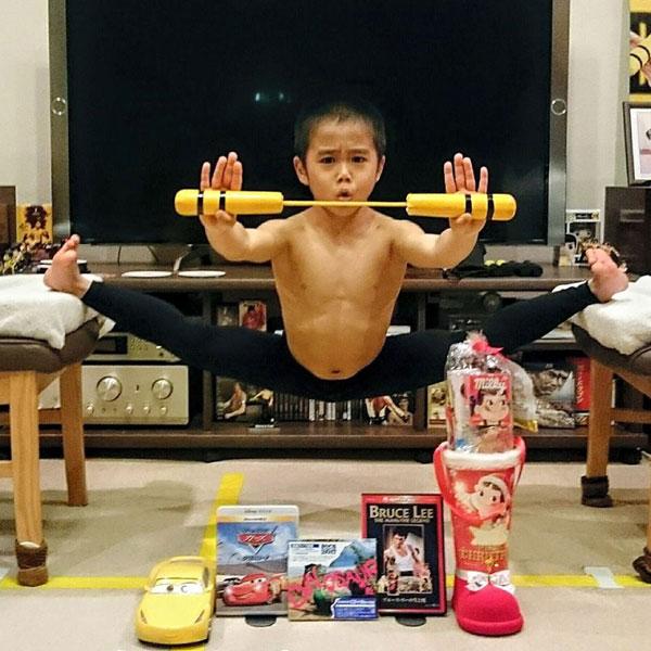 Mới chỉ 8 tuổi nhưng Ryuji đã có tới 4 năm khổ luyện hàng ngày. Ảnh: FBNV.