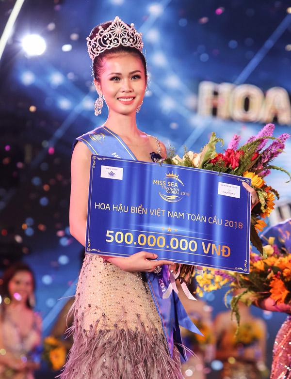 Tỏa sáng trên sân khấu qua cả ba vòng thi, Kim Ngọc xuất sắc giành vương miện hoa hậu. Phần thưởng cho cô trị giá 500 triệu đồng tiền mặt.