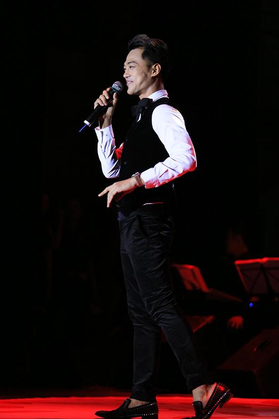 Ca sĩ Phan Ngọc Luân cũng là khách mời trong đêm nhạc riêng của Như Quỳnh tại Hải Phòng.