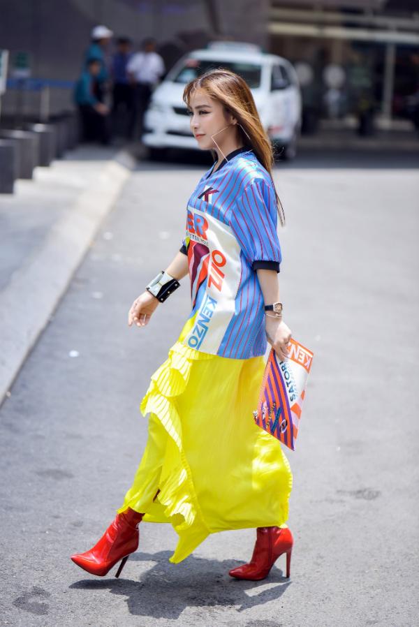 Á khôi Mai Diệu Linh đi xe 5 tỷ, diện trang phục hàng hiệu đi sự kiện - page 2 - 4