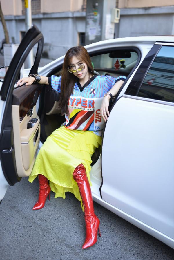 Á khôi Mai Diệu Linh đi xe 5 tỷ, diện trang phục hàng hiệu đi sự kiện - page 2 - 1