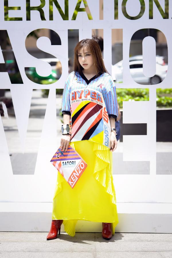 Á khôi Mai Diệu Linh đi xe 5 tỷ, diện trang phục hàng hiệu đi sự kiện - 5