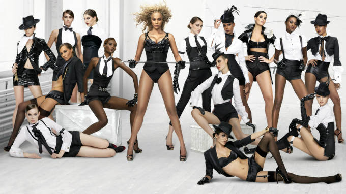 Tyra Banks chủ xị Americas Next Top Model trong hơn20 mùa. Ảnh:Americas Next Top Model