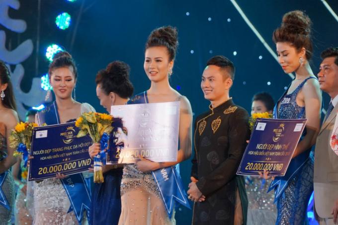 NTK Ngô Nhật Huy ra mắt BST áo dài 'Biển ngọc'