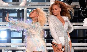 Beyonce và em gái gặp sự cố ngã lăn trên sân khấu festival âm nhạc