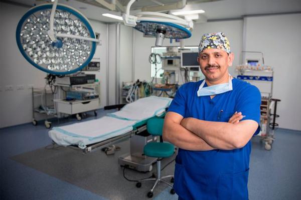 Bác sĩMahendra Narwaria.