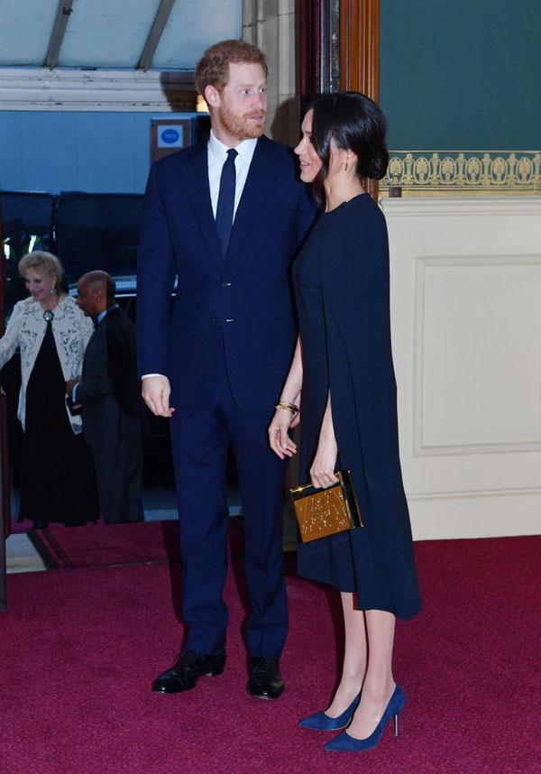 Meghan Markle diện ton sur ton với Hoàng tử Harry dự sinh nhật Nữ hoàng - 1