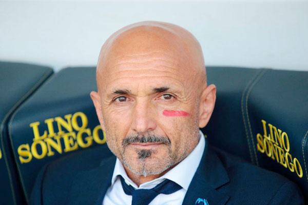 Luciano Spalletti, ông chủ Inter cũng hưởng ứng phong trào.
