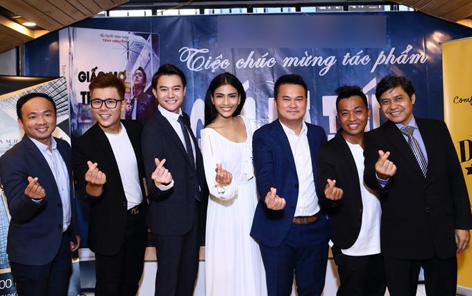 Trương Thị May, Nguyễn Anh Dũng đanghồi hộp chờ phim ra rạp vào tháng 10 tới.