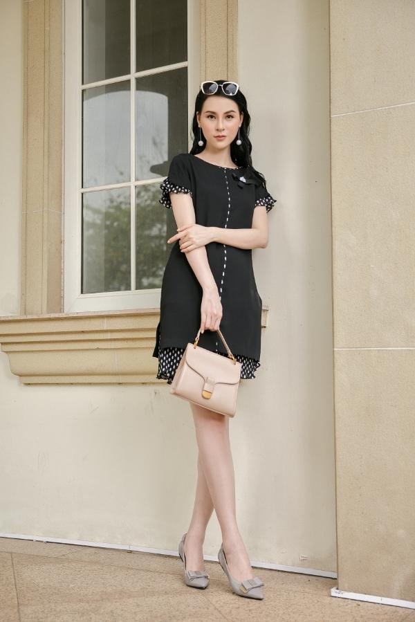 Với cô nàng công sở thường xuyên phải di chuyển, cặp đôitúi xách và giày đế bệt pastel sẽ giúp bạn thoải mái mà vẫn đầy quyến rũ và thanh lịch.