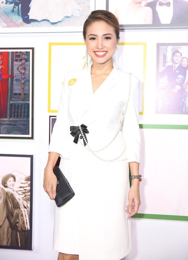 Thanh Vân Hugo hào hứng tới thưởng thức phim điện ảnh mới.