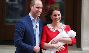 William - Kate lần đầu xuất hiện trước công chúng với hoàng tử bé