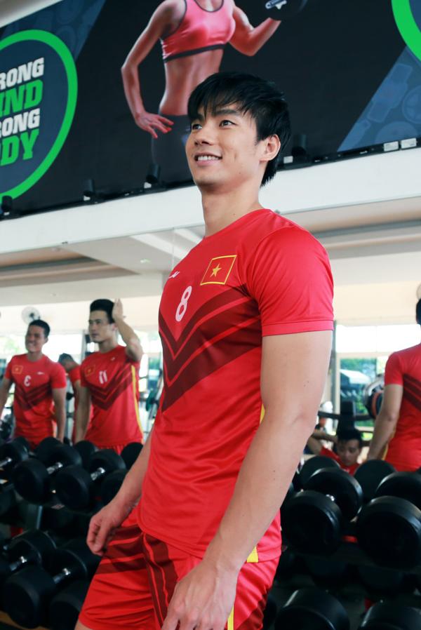 Nhan Phúc Vinh đóng phim với cựu danh thủ Lê Huỳnh Đức - 2