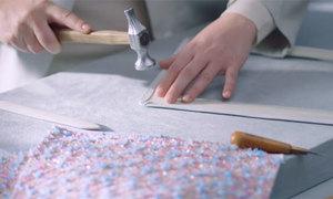 Những chiếc túi hàng nghìn USD của Chanel được chế tác thế nào