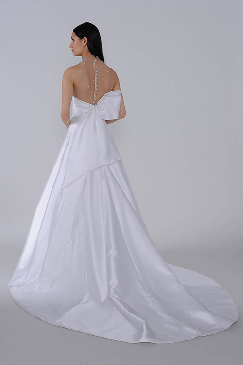 Mẫu váy từ thương hiệu nổi tiếng Allison Webb.