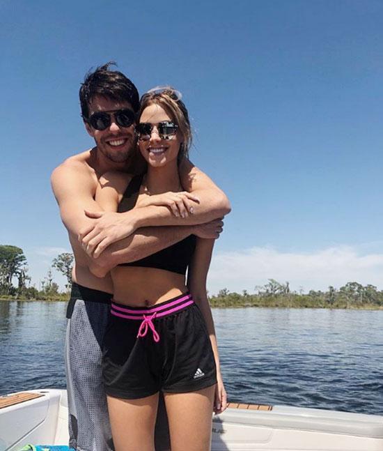 Cựu danh thủ Brazil và vợ cũ đều đã có cuộc sống mới nhưng vẫn chung tay chăm sóc hai con là Luka và Isabella. Hai bé ở với mẹ ở Brazil, thỉnh thoảng tới ở với bố và mẹ kế tương lai.