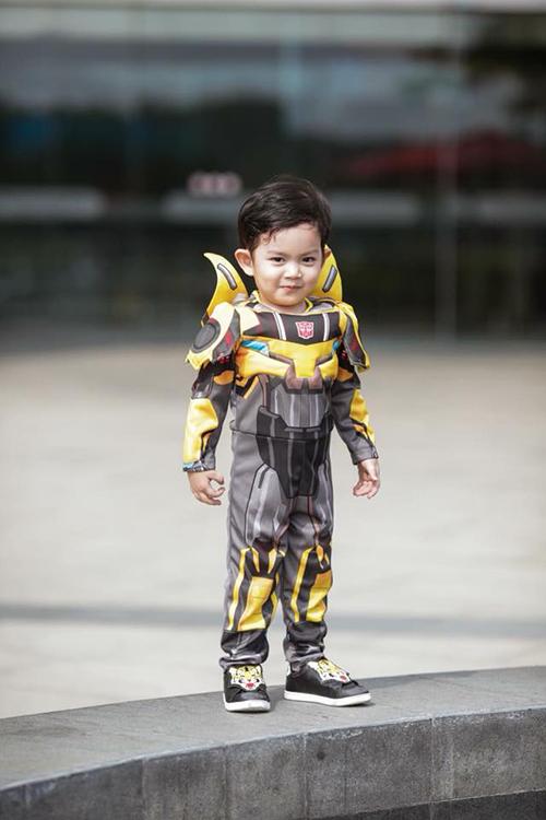 Kubi hùng dũng hoá thân thành thành viên bí mật trong biệt đội siêu anh hùng Avenger.