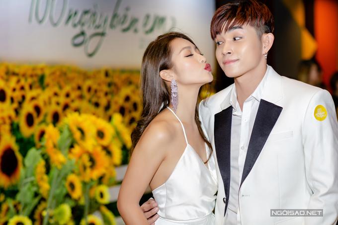 Jun Phạm tiết lộ rằng, sau lần hợp tác này, anh và Khả Ngân đã trở thành bạn bè khi thường xuyên tâm sự với nhau về công việc, cuộc sống.
